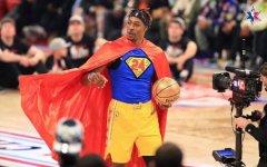 NBA球星霍华德拒绝球鞋合同 坚持穿科比的鞋完成扣篮