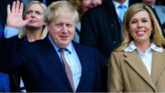 英国首相约翰逊宣布当爹