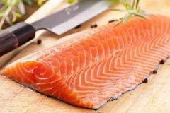4人吃三文鱼致中毒