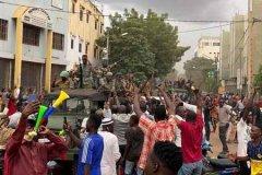 马里发生兵变 被扣押的马里总统宣布辞职