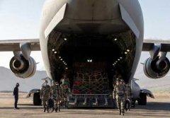 印军向中印边境运送大量物资
