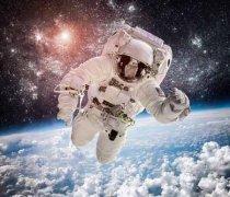 我国新选拔18名预备航天员