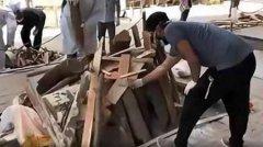 印度火化场地和木柴出现短缺