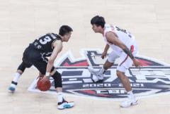 广东男篮豪取CBA三连冠