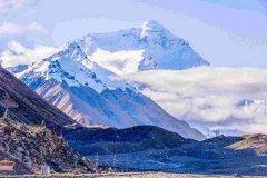 珠穆朗玛峰上出现新冠疫情