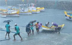 20年来最强飓风袭击印度