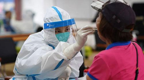 广东本轮疫情感染者老人小孩超四成