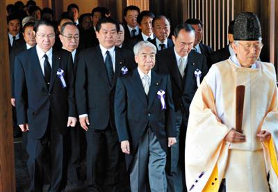韩外交部抗议日高官参拜靖国神社