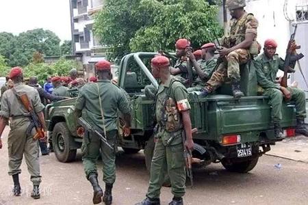 几内亚发生兵变 军车驶过激烈交火